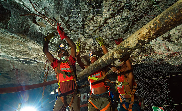 an overview of the mining industry of south africa A complete overview of mining in south africa, from its historical roots to today, including in-depth industrial analysis and a list of new mining opportunities  the platinum mining.
