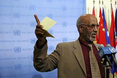 Araya Desta, Permanent Representative of Eritrea to the United Nations, speaks to journalists following the Security Council's adoption of resolution 1907 (2009), imposing an arms embargo on his country, in addition to travel restrictions on and a freeze on the assets of its political and military leaders.