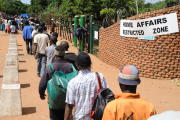 Zimbabwe asylum seekers queue outside the home affairs in Musina (file photo).