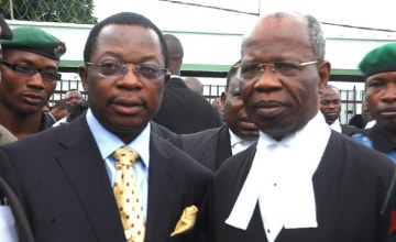 Erastus Akingbola in Court