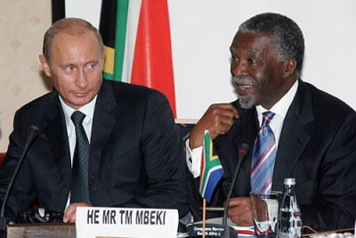 Russian President Vladimir Putin and South Africa's former President Thabo Mbeki in 2006.