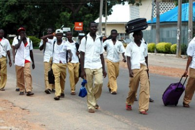 Students of Kaduna State Technical College going home due to the 24 hours curfew imposed on Kaduna on Wednesday.