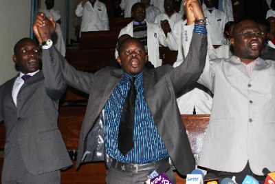 Kenya Medical Practitioners and Dentists Union Chairman Victor Ng'ani, Secretary General Were Onyino and First Vice Chairman Sultani Matendechere lead doctors in singing a solidarity song when starting a strike for a section of Kenyatta National Hospital doctors (file photo).
