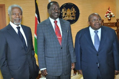 Kofi Annan and former Tanzanian president Benjamin Mkapa met with Prime Minister Raila Odinga during their visit to the country