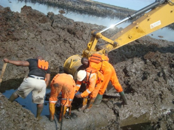 leak in the pipeline essay Key facts about the keystone pipeline the keystone pipeline system is a pipeline system to transport synthetic crude oil from the oil fields in.