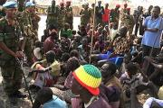 United Nations commander Moses Obi talking to displaced people in Jonglei state (file photo).