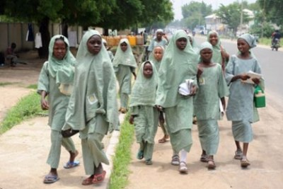 Hundreds of girls kidnapped from Nigeria school