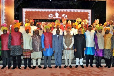 African leaders with Prime Minister Modi in traditional Indian attire.