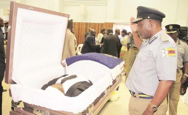 Zimbabwean Top Cop Dies Near Mugabe Residence Allafrica Com