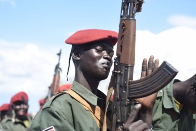 A South Sudanese government army soldier in Jebel Makor, 45 minutes outside Juba (file photo).