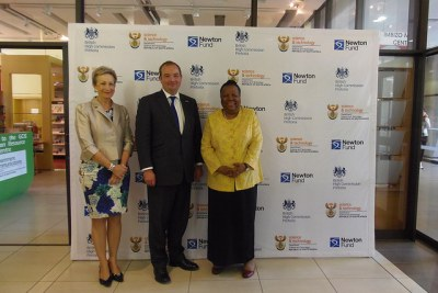 Minister for Science and Technology, Ms Naledi Pandor and British High Commssioner Judith Macgregor.