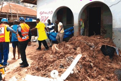 Mudslide kills woman in Lagos.