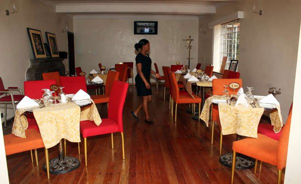 Kenya nairobi 39 s valencia gardens restaurant closed over for Pool garden restaurant nairobi