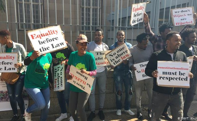 South Africa: Ban Migrant Workers From Informal Jobs - Minister: