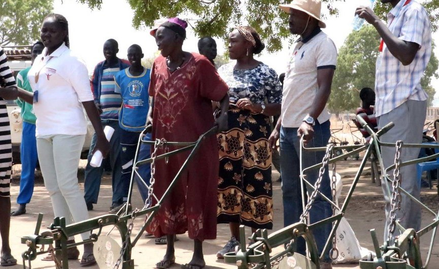 South Sudan: Women Plough the Way to Peace in Resettlement Project